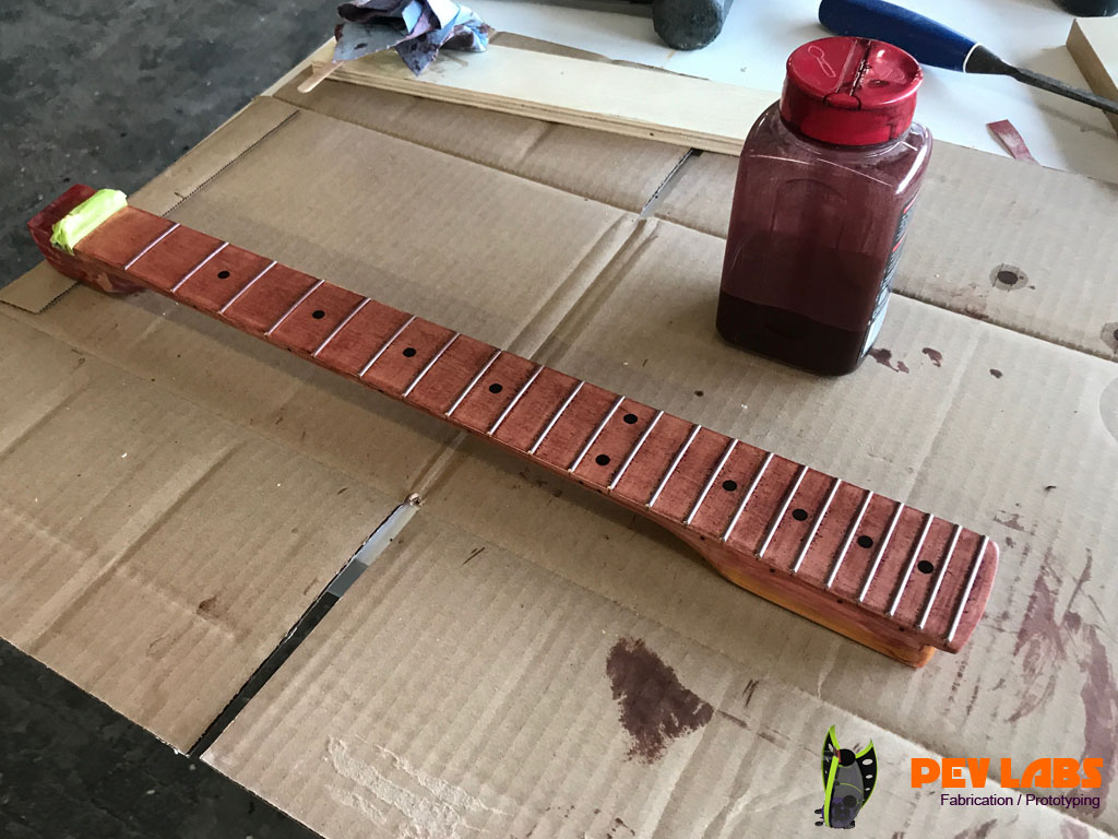 >Fretboard Staining Blood Red